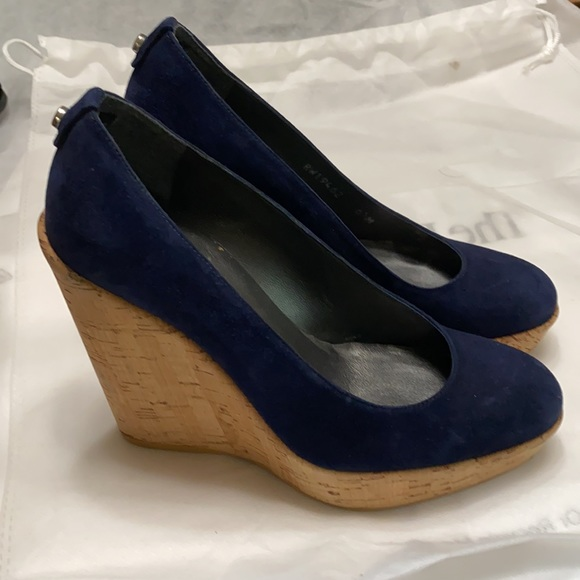 Stuart Weitzman Corkswoon navy wedges